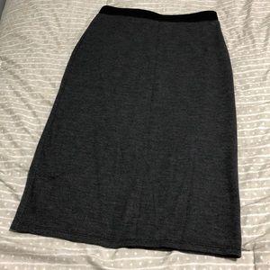 Stretchy grey skirt